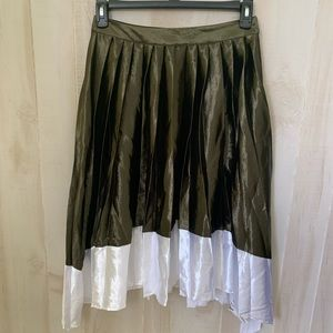 NWT English Factory Olive Green & White Skirt